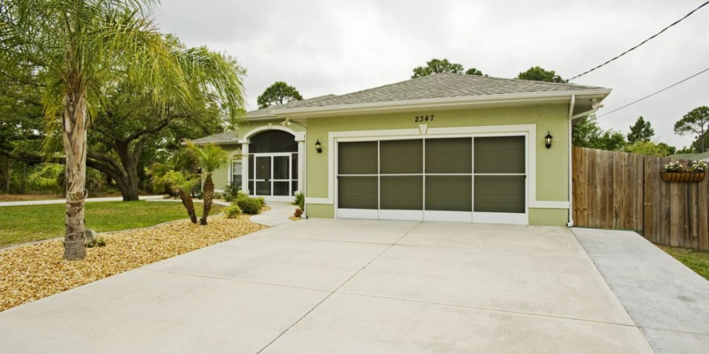garage door screens retractableGarage Door Screens Orlando  Groveland  Clermont  Retractable